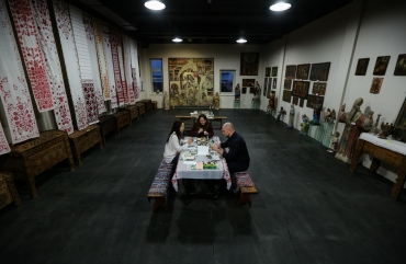 Illia Kyva with his daughter Kateryna have visited an exhibition of the Ukrainian heritage 7