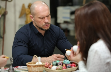 Illia Kyva with his daughter Kateryna have visited an exhibition of the Ukrainian heritage 8